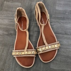 Gianni Bini T strap sandal neutral nude and gold